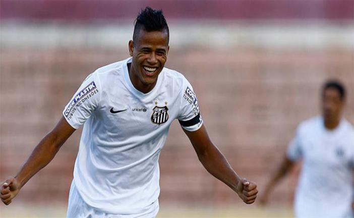 Geuvânio marcou no final do primeiro tempo e deu a vitória ao Santos pra cima do Cruzeiro na Vila. Foto: Ricardo Saibun/Santos FC