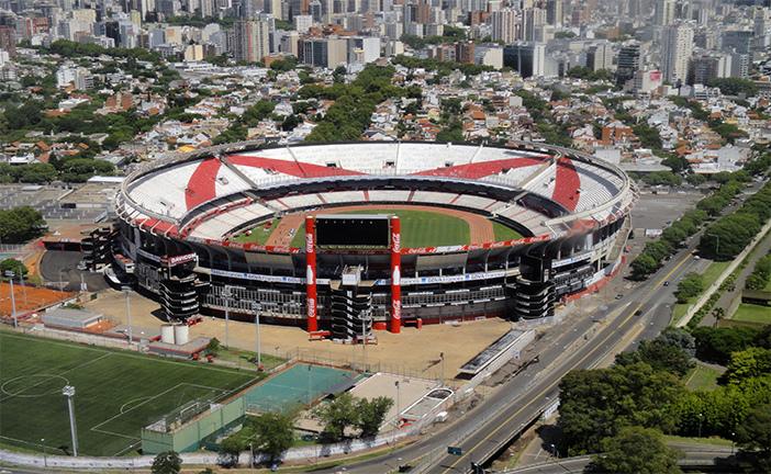 O Monumental será palco do primeiro duelo entre River e Cruzeiro valendo vaga nas semifinais da Libertadores 2015. Foto: Wikipedia