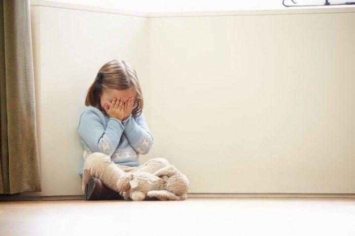crianca-com-depressao
