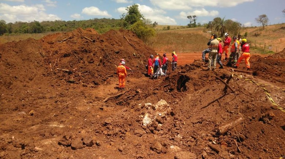 Bombeiros encontram mais um corpo em Brumadinho - Foto: Corpo de Bombeiros/Divulgação