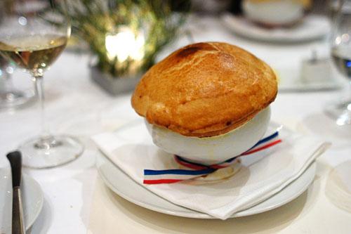 Sopa de Cebola, L'auberge du Pont Collonges/Reprodução / MF Press Global