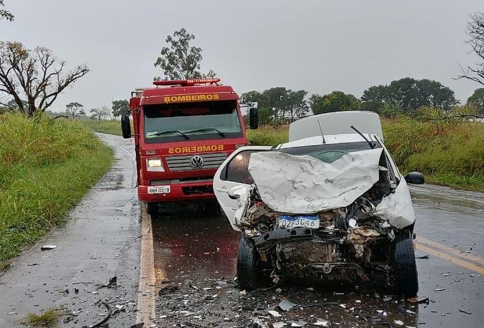 Acidente deixa três mortos na BR-452, no Triângulo Mineiro - Foto: Corpo de Bombeiros/Divulgaç]ao