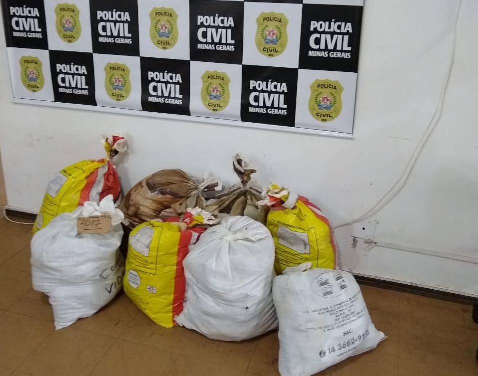 Polícia Civil incinera cerca de 150 quilos de drogas em Itaúna