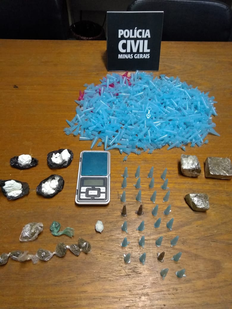 Polícia prende mulher acusada de tráfico de drogas em Passos - Foto: Divulgação/PCMG