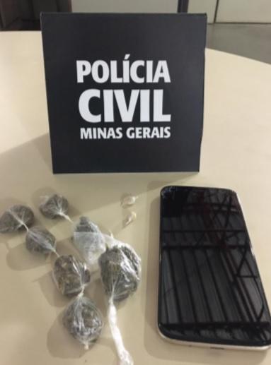PCMG prende suspeito de tráfico com celular roubado em Três Corações - Foto: Divulgação/PCMG