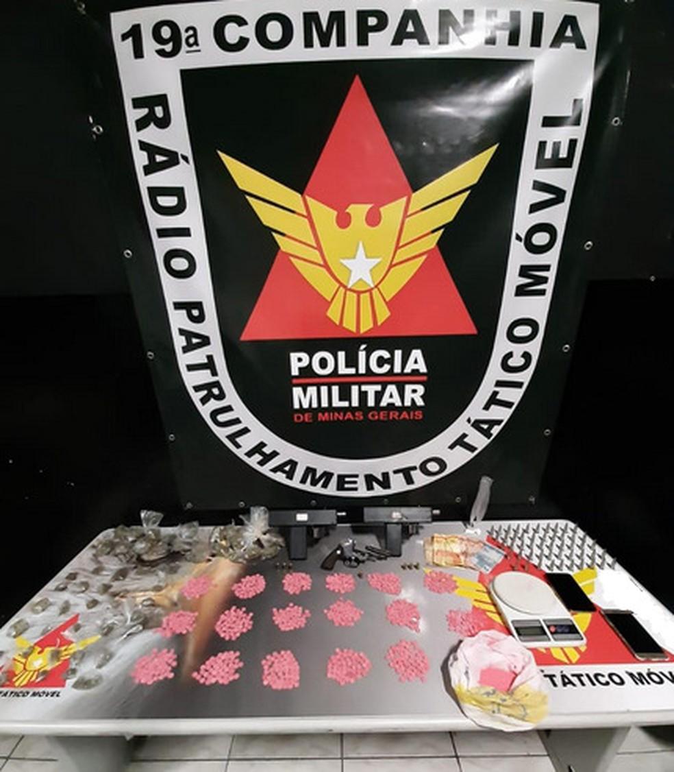 Polícia prende homem com R$ 50 mil em Ecstasy, no bairro Concórdia, em BH - Foto: Divulgação/PMMG