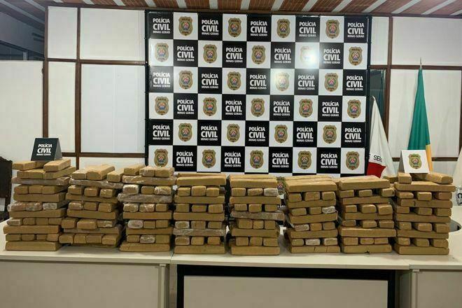 Polícia deflagra ação e apreende 200 tabletes de maconha em Juiz de Fora
