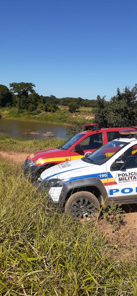 Corpos de dois pescadores são localizados pelos Bombeiros, no Rio das Velhas, em Inimutaba - Foto: Divulgação/CBMMG