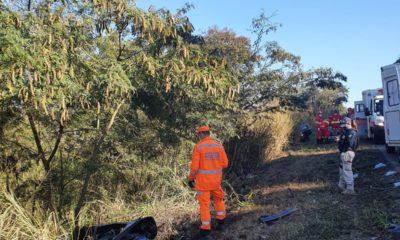 Motorista morre em acidente com dois carros na BR-262 em Bom Despacho - oto: Corpo de Bombeiros/Divulgação