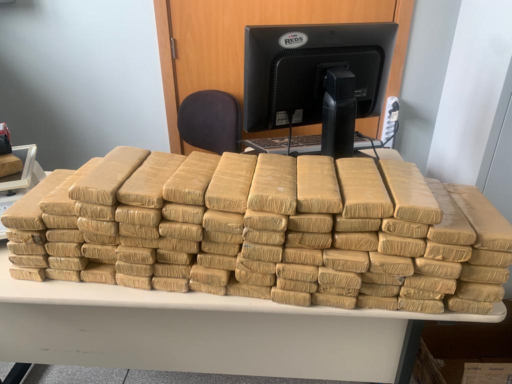 Polícia prende suspeito de tráfico de drogas em Ribeirão das Neves - Foto: Divulgação/PCMG