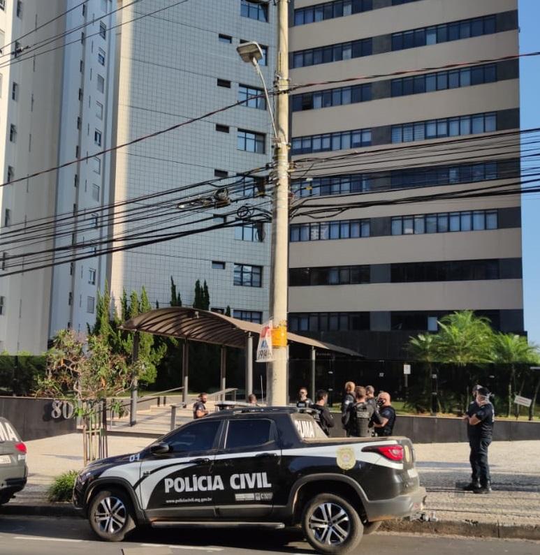 Polícia realiza buscas em empresa investigada por mineração ilegal em BH - Foto: Divulgação/PCMG