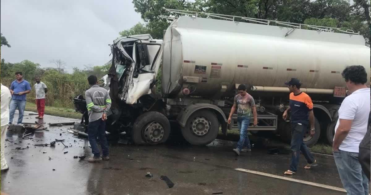 Três pessoas morrem em acidente na BR-040 em Paracatu - Foto: Reprodução/Redes Sociais