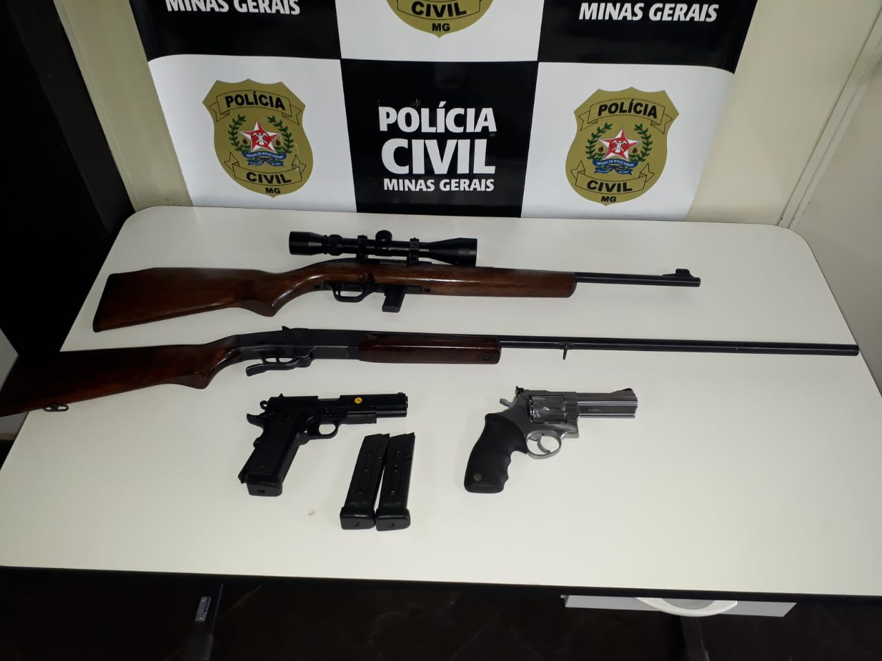 Polícia prende suspeito de falso registro de furto de armas em Itabirito - Foto: Divulgação/PCMG