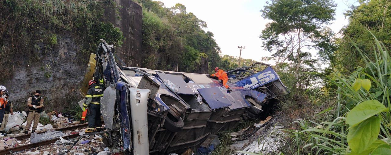 Sobe para 18 o número de mortos em acidente de ônibus em João Monlevade; confira a lista lista de vítimas - Foto: Divulgação/Corpo de Bombeiros