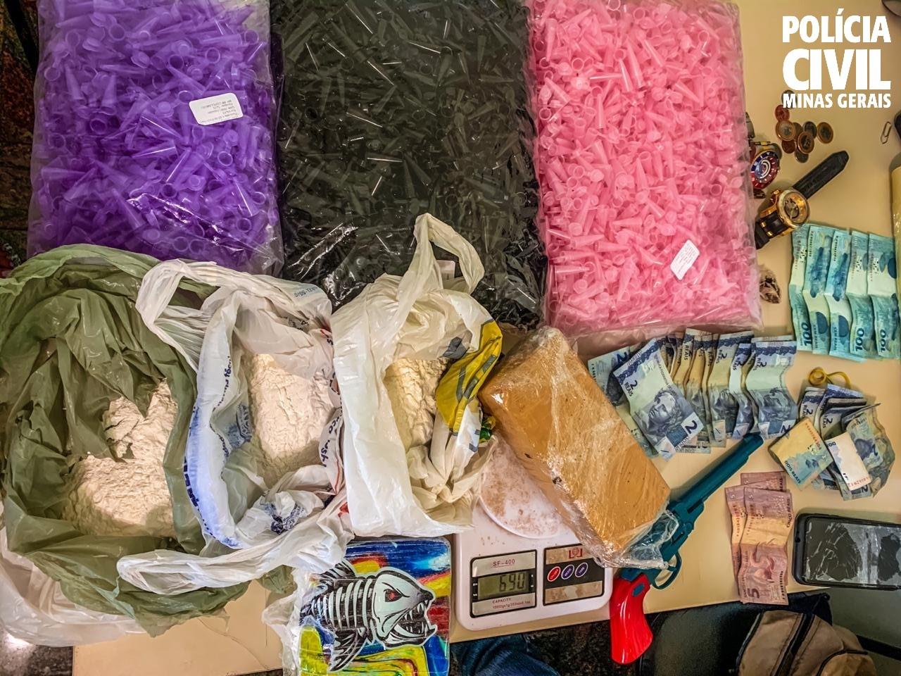 Polícia prende dupla suspeita de tráfico e apreende drogas em Nova Lima - Foto: Divulgação/PCMG