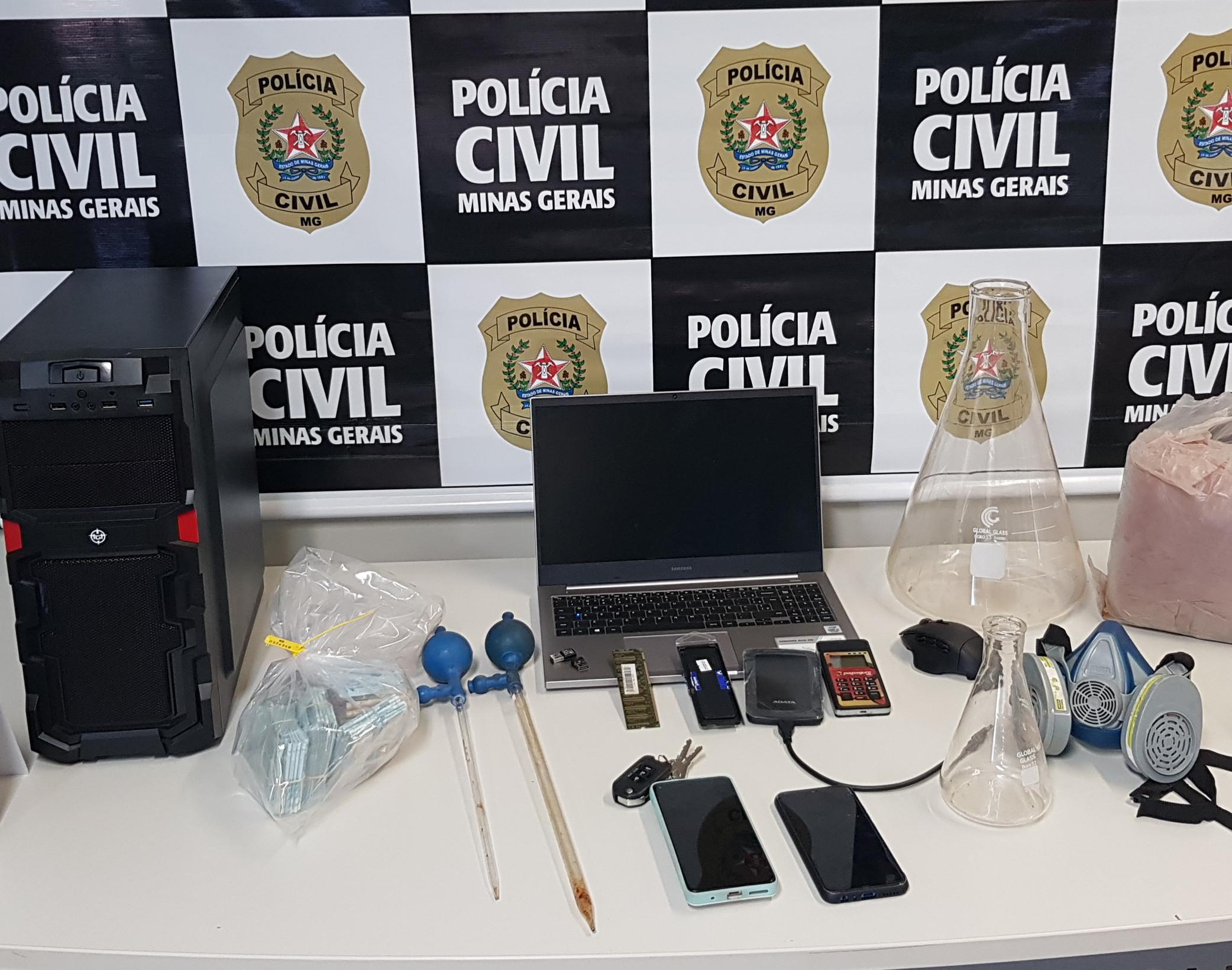 Operação Tempo Perdido prende suspeito de fabricar remédio clandestino em Uberlândia - Foto: Divulgação/PCMG