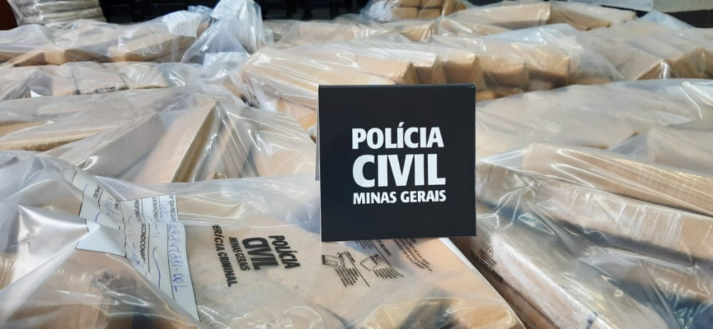 Polícia prende três suspeitos por tráfico e apreende drogas em Betim - Foto: Divulgação/PCMG