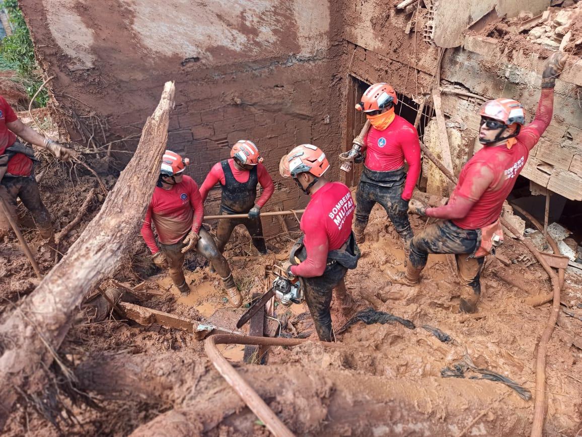 Duas pessoas morrem após temporal em Santa Maria do Itabira - Foto: Divulgação/Corpo de Bombeiros