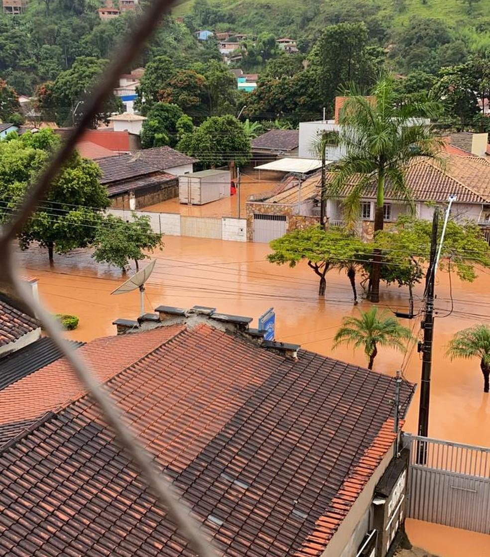 Chuvas fortes causa alagamentos e desmoronamento em Santa Maria de Itabira - Foto: Redes sociais/Defesa Civil de Minas Gerais