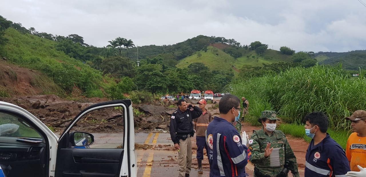 Bombeiros estão com dificuldade de acesso a cidade - Foto: Divulgação/Corpo de Bombeiros