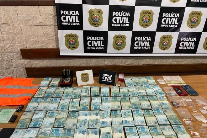 Polícia aprende mais de R$600 mil e pedras preciosas na Zona da Mata - Foto: Divulgação/PCMG