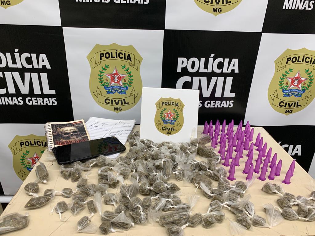 Suspeita de tráfico é presa com grande volume de drogas em Itatiaiuçu - Foto: Divulgação/PCMG
