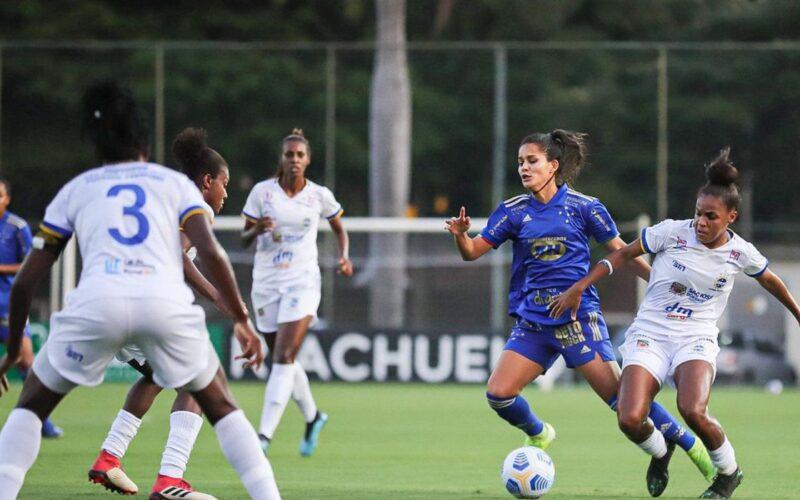 São José aproveita erros e derrota Cruzeiro pelo Brasileiro Feminino
