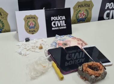 Polícia apreende drogas com dupla suspeita de tráfico em Guaxupé - Foto: Divulgação/PCMG