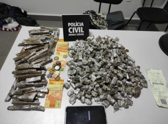 Polícia apreende 500 porções de maconha com adolescente em Manhuaçu - Foto: Divulgação/PCMG