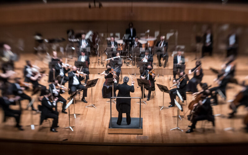 FilarmônicaMG - Maestro Fabio Mechetti - Foto: Alexandre Rezende