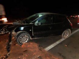 Duas pessoas ficam feridas em acidente na BR-262, entre Bom Despacho e Nova Serrana - Foto: Polícia Rodoviária Federal/Divulgação