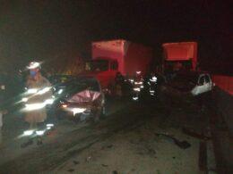Quatro pessoas ficam feridas em engavetamento na BR-381 em Caeté - Foto: Divulgação/Corpo de Bombeiros