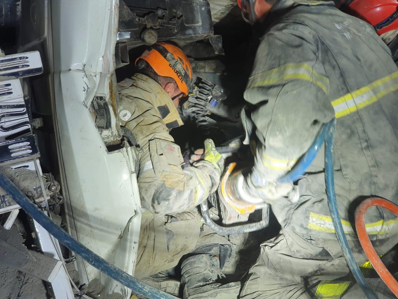 Bebê de dois meses morre após caminhão capotar em Belo Horizonte - Foto: Divulgação/Corpo de Bombeiros