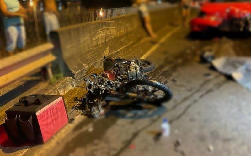 Motociclista morre após bater de frente com carro em Uberlândia - Foto: Divulgação/Corpo de Bombeiros