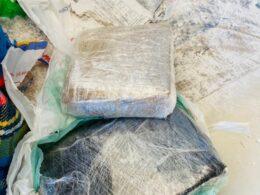 Dupla é presa por tráfico de drogas em Vespasiano - Foto: Divulgação/PCMG