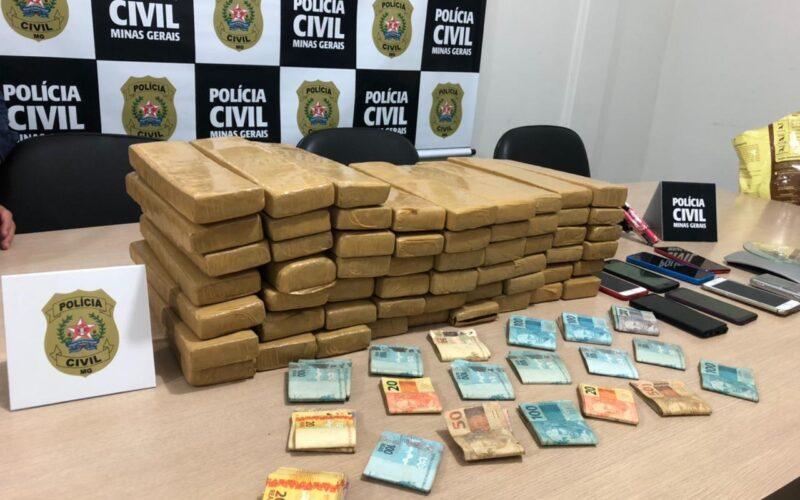 Polícia prende quatro suspeitos de tráfico e posse de arma em Caratinga - Foto: Divulgação/PCMG