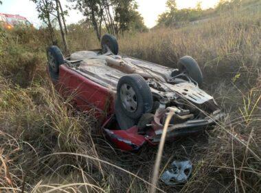 Mulher morre e duas pessoas ficam feridas em acidente na BR-365, em Pirapora - Foto: Polícia Rodoviária Federal/Divulgação