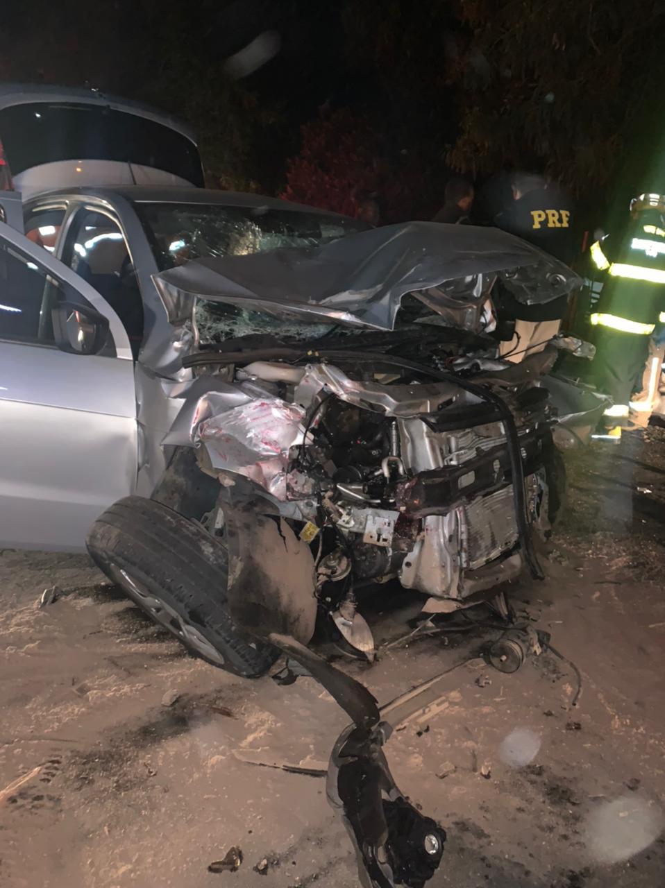 Cinco pessoas da mesma família ficam feridas após equipamento desprende de caminhão na BR-381, em Sabará - Foto: Divulgação/Corpo de Bombeiros