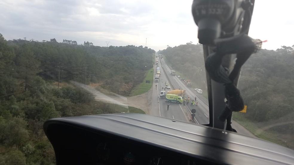 Acidente aconteceu na BR-277, em São José dos Pinhais - Foto: Divulgação/Polícia Militar