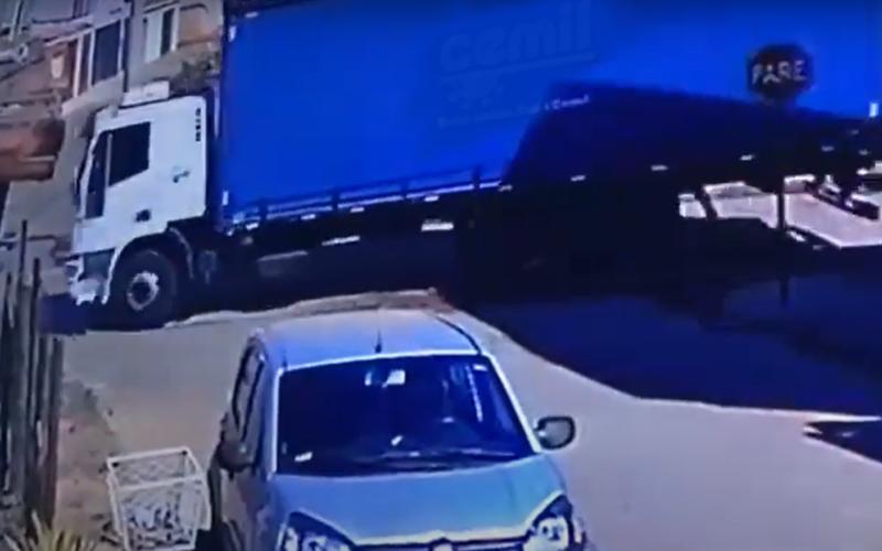 Adolescente morre atropelado por caminhão em Paracaru - Foto: Reprodução