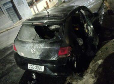Suspeito incendeia carros no bairro Colégio Batista, em Belo Horizonte - Foto: Reprodução/Redes Sociais