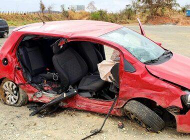 Acidente deixa criança e mulher gravemente feridas na MG-050, em Passos - Foto: Divulgação/Helder Almeida