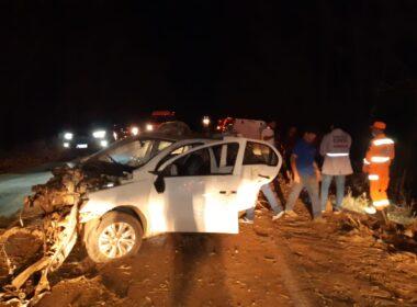 Uma pessoa morre e duas ficam feridas em acidente com carro MGC-122, em Janaúba - Foto: Divulgação/Corpo de Bombeiros