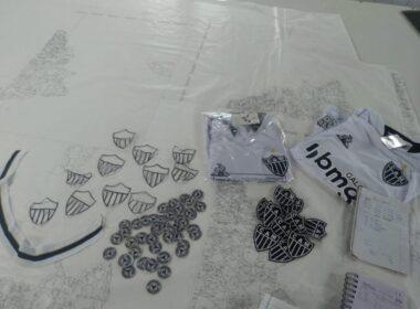 Camisas falsas do Atlético são apreendidas pela polícia em BH - Foto: Divulgação/PCMG