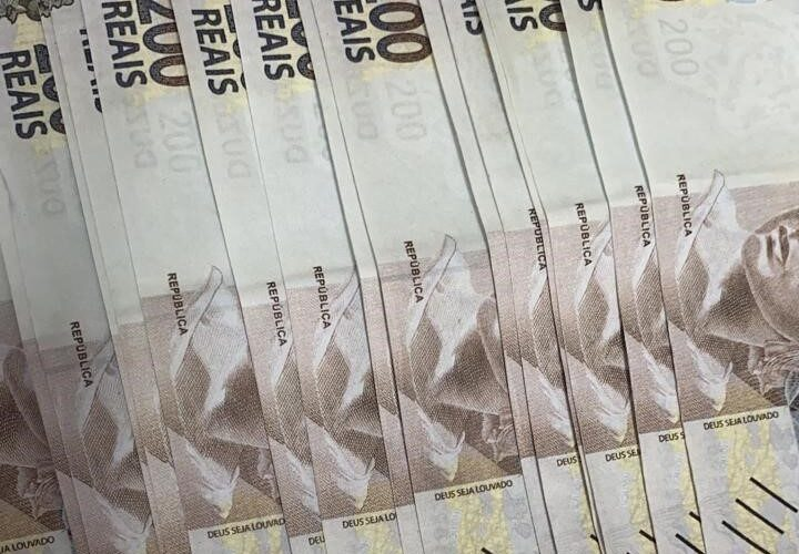 Mulher é presa por efetuar pagamento com notas falsas em Vespasiano - Foto: Divulgação/PCMG