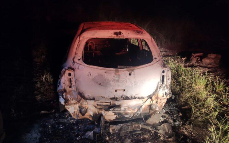 Quatro suspeitos são indiciados por matar e atear fogo em casal em Santa Luzia - Foto: Polícia Militar/Divulgação