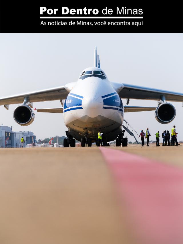 Segundo maior avião do mundo pousa no Aeroporto de Confins