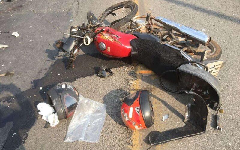 Pai e filho ficam feridos após acidente com moto em Sabará - Foto: Divulgação/Corpo de Bombeiros