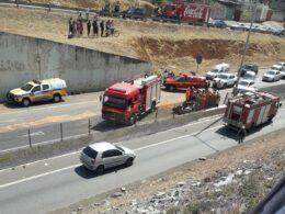 Mãe e filho ficam feridos após acidente na MG-010, em Vespasiano - Foto: Reprodução/Redes Sociais