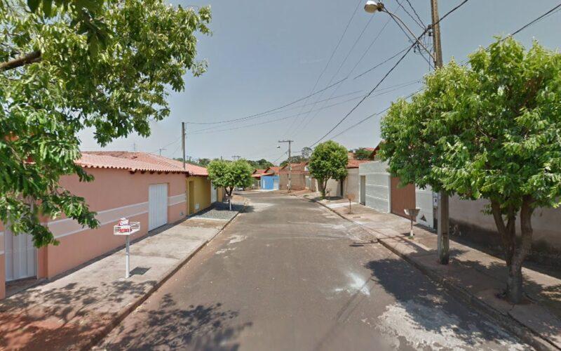 Mãe e filho são encontrados mortos em residência no Bairro Tocantins, em Uberlândia - Foto: Reprodução/Google Street View